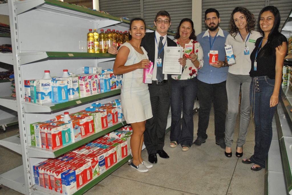 Conselheiros realizaram a entrega no dia 30/07, ao Banco de Alimentos, das doações de leite arrecadadas nos eventos Let's Run Girls e Corrida Explore (Horto de Tupi).