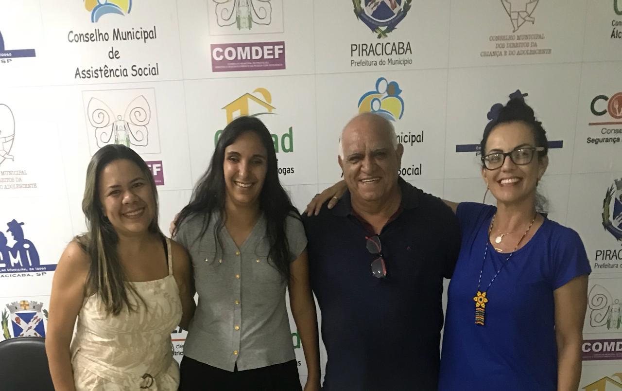 Fabiola Pousa(Vice coordenadora), Graziela Tozin(2ª Secretaria). Ademir Barbosa (coordenador) e Ariane (1ª Secretaria)